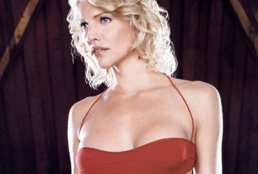 Tricia Helfer as Number Six in 'Battlestar Galactica' - image via scifiscoop.com